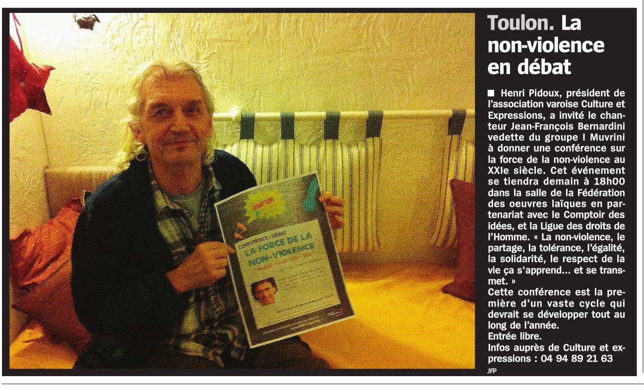 Henri Pidoux présente la conférence sur la Non Violence